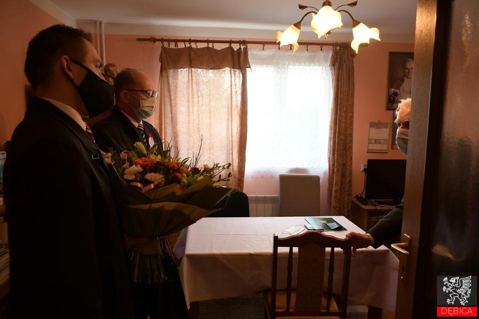 Honorowe wyróżnienia i uchwała w 230. rocznicę Konstytucji 3 Maja